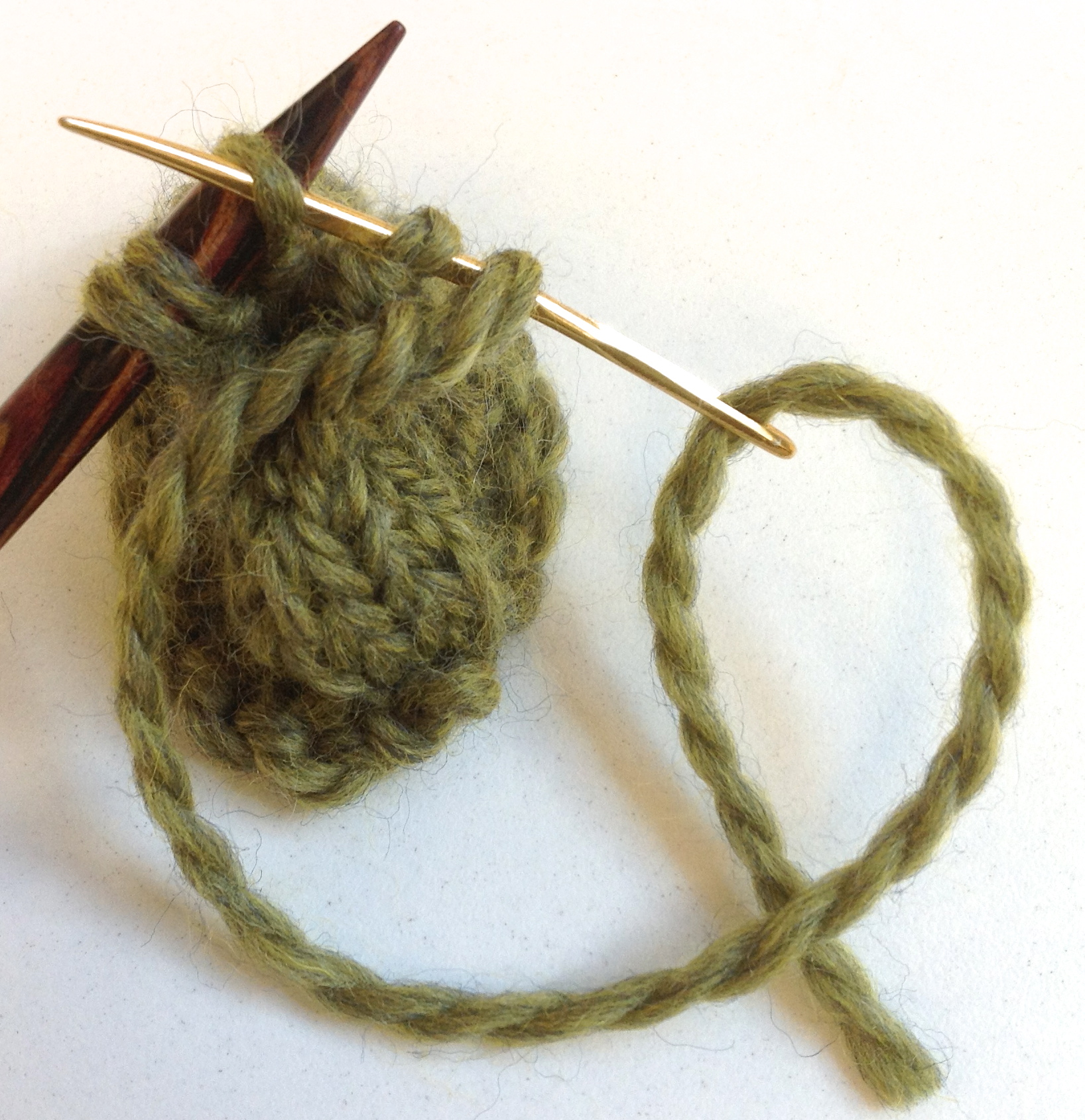 Knitting Needles Norwich : Ask amanda how do i fasten off at the top of a hat