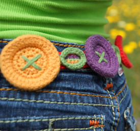 Buttons and Streamers Belt crocheted in Weekend DK