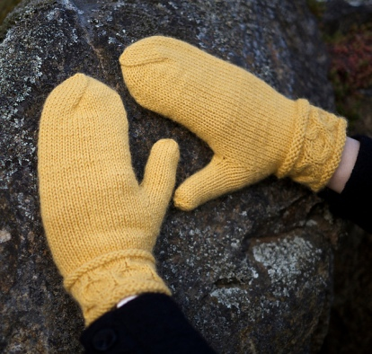 Avoca Mittens by Patricia Hart