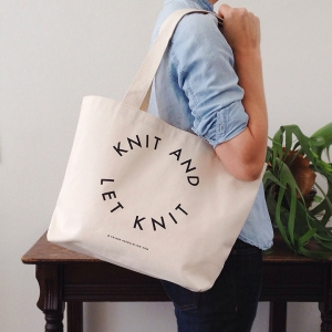 tote_knit_and_let_knit_over_shoulder