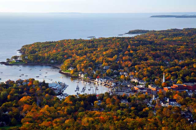 Camden-Harborview-from-Mt-Battie