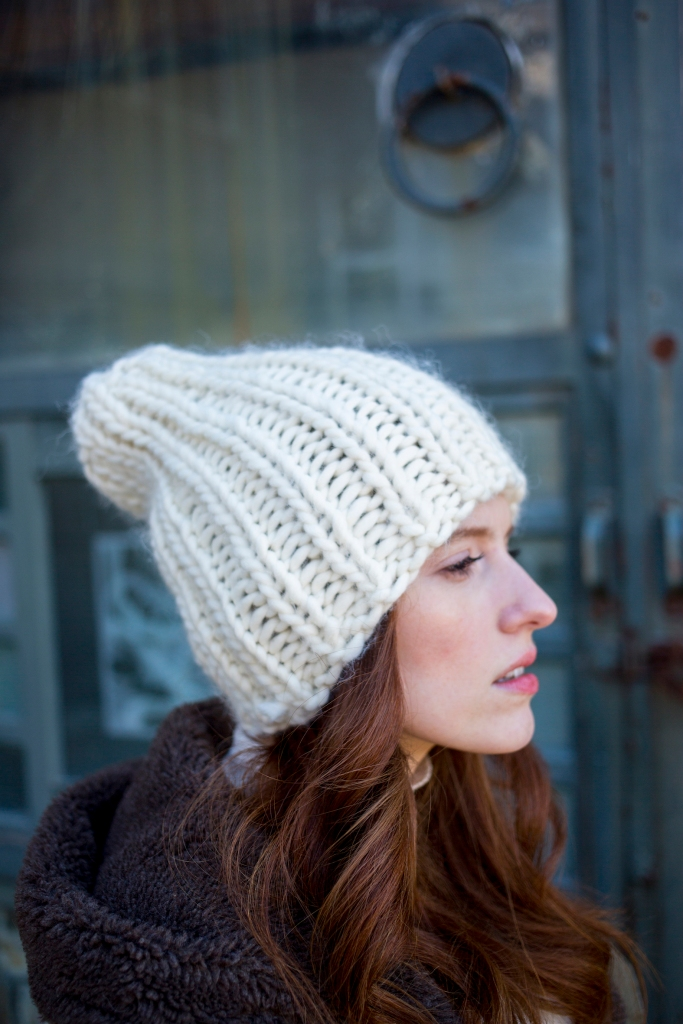 Miyo hat knitting pattern in Berroco Macro