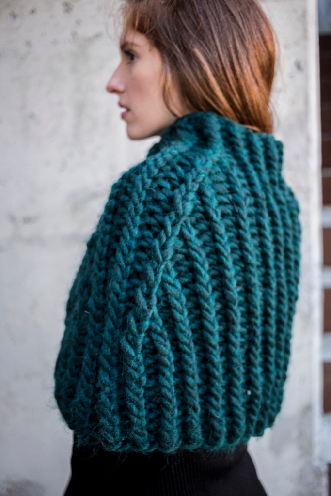 Rini capelet knitting pattern in Berroco Macro